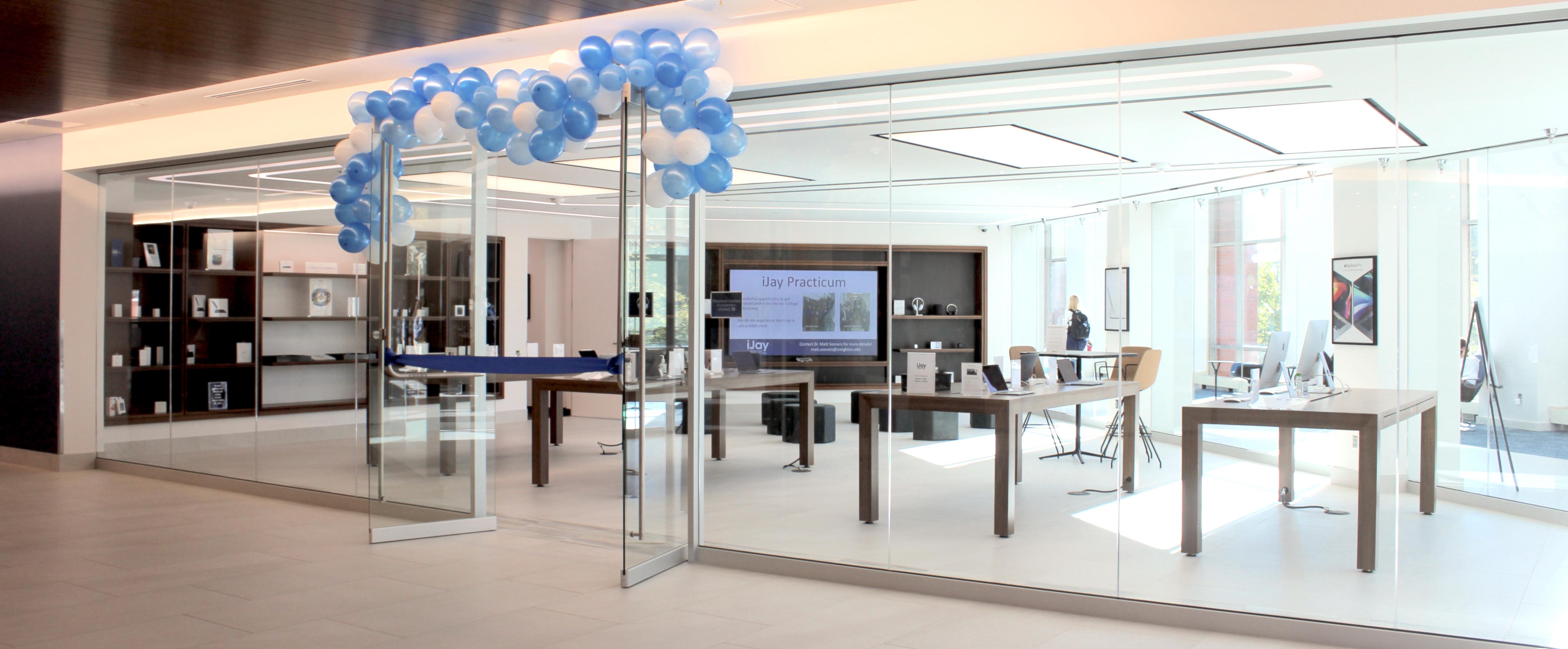 iJay Apple Store Creighton University